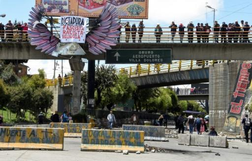 The road linking El Alto and La Paz is blocked by supporters of the ex-President Evo Morales, as seen from El Alto, Bolivia on November 19, 2019