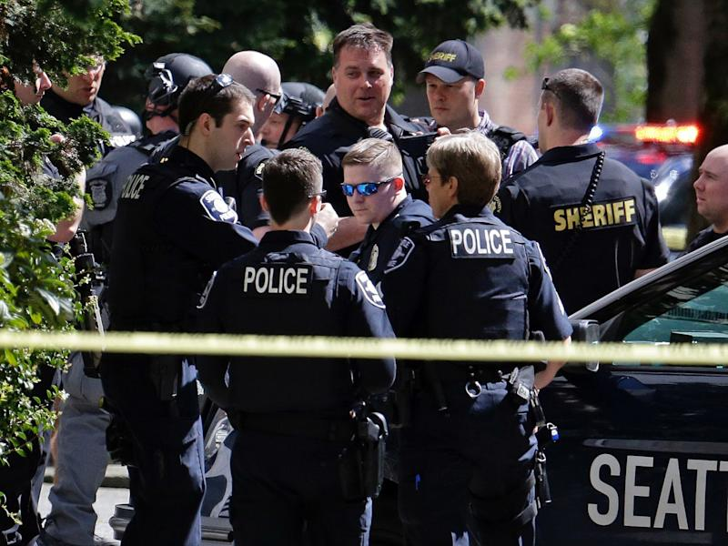 seattle police officers shot