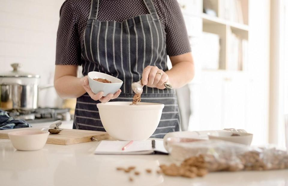 """<p>It's quite a bummer when you have your heart set on making a specific recipe only to realize you don't have all of the necessary ingredients. One way to avoid this is by knowing how to work with what you have. The next time you're ready to put your baking skills to the test, try out some of these <a href=""""https://www.thedailymeal.com/ingredients-you-can-substitute-when-baking-or-cooking?referrer=yahoo&category=beauty_food&include_utm=1&utm_medium=referral&utm_source=yahoo&utm_campaign=feed"""" rel=""""nofollow noopener"""" target=""""_blank"""" data-ylk=""""slk:important baking ingredient swaps everyone should know about"""" class=""""link rapid-noclick-resp"""">important baking ingredient swaps everyone should know about</a>.</p>"""