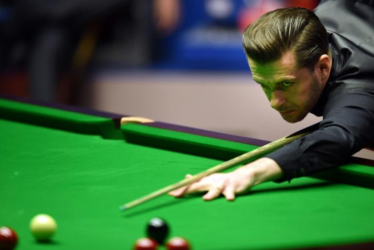Snooker World Championship Champion Selby storms back to lead Higgins