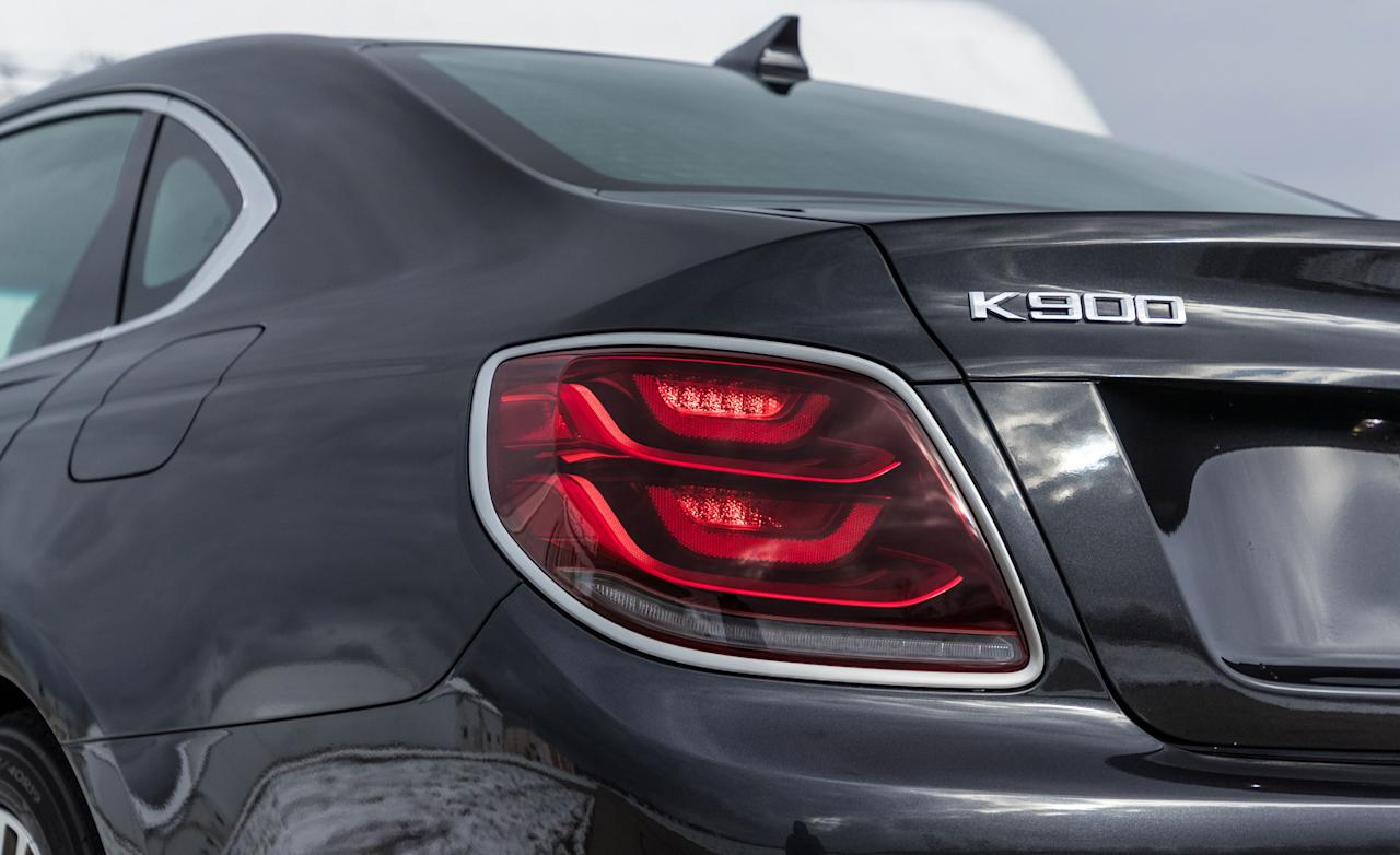 """<p><a rel=""""nofollow"""" href=""""https://www.caranddriver.com/kia/k900"""">The 2019 Kia K900</a> has to clear a pretty low bar to surpass its predecessor. From 2014 to 2018, the Korean brand's pillowy first-generation flagship sedan managed to seduce fewer than 5500 buyers into a relationship with its floppy ride and generic luxury aura (there were only about 350 takers last year).</p>"""