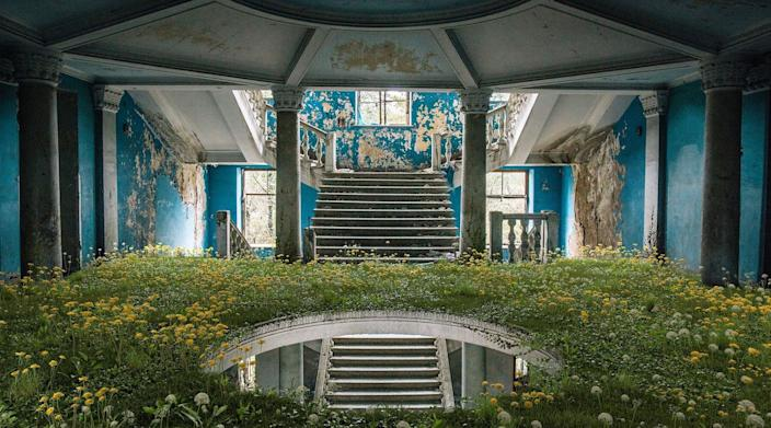 Formerly luxurious interior from the Soviet era transformed with digital greenery as part of