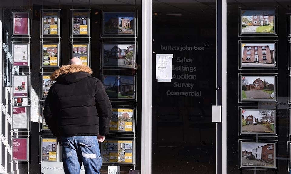 The price of properties coming to markets rose just 0.8% last month, an increase of £2,509, pushing the national average to a new record high of £336,073 for the third consecutive month. Photo: Nathan Stirk/Getty Images