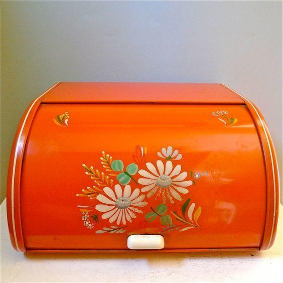 <p>Bread boxes in countless colors once adorned every countertop, and we think they should be brought back.</p>