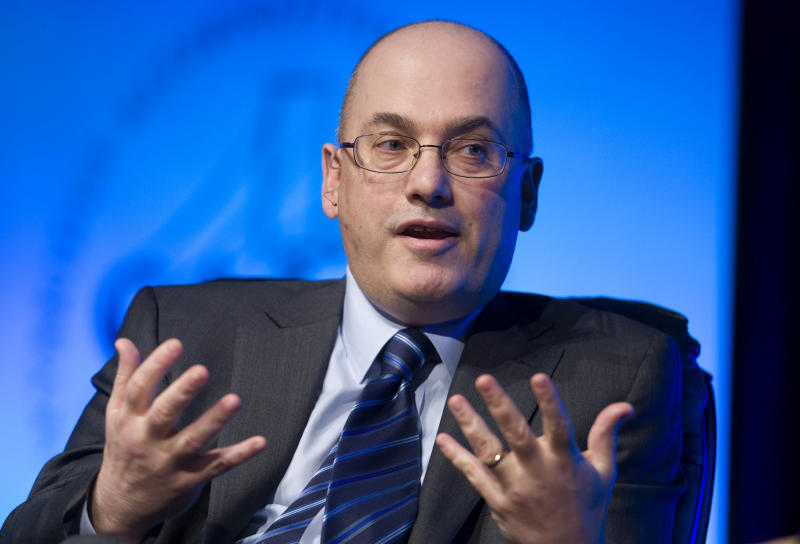 Hedge fund manager Steven A. Cohen, founder and chairman of SAC Capital Advisors, responds to a question during a one-on-one interview session at the SkyBridge Alternatives (SALT) Conference in Las Vegas, Nevada May 11, 2011. Cohen, whose SAC Capital Advisors has drawn scrutiny from prosecutors probing insider trading, said his firm has and will cooperate with all government investigations. REUTERS/Steve Marcus (UNITED STATES - Tags: BUSINESS HEADSHOT)