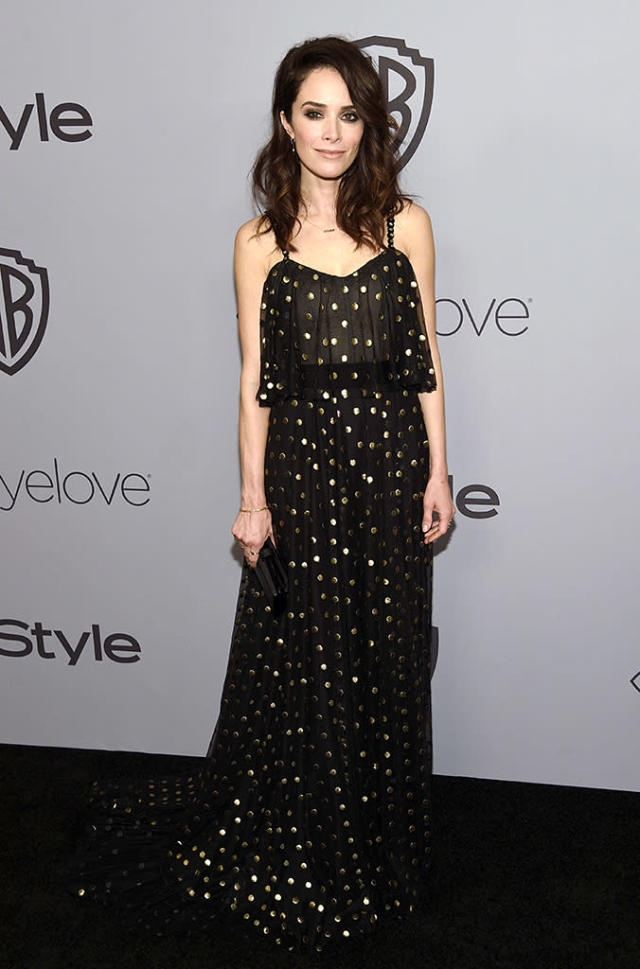 <p>Abigail Spencer arrives at the InStyle and Warner Bros. Golden Globes bash. (Photo: Chris Pizzello/Invision/AP) </p>