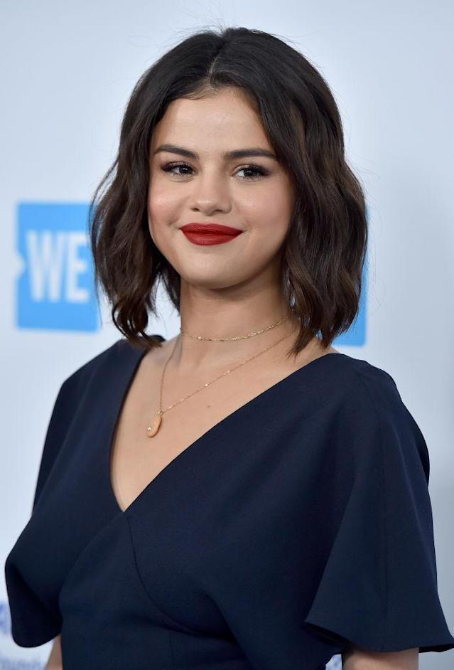 Selena Gomez sports short hair at WE Day California on April 19, 2018. (Photo: Axelle/Bauer-Griffin/FilmMagic)