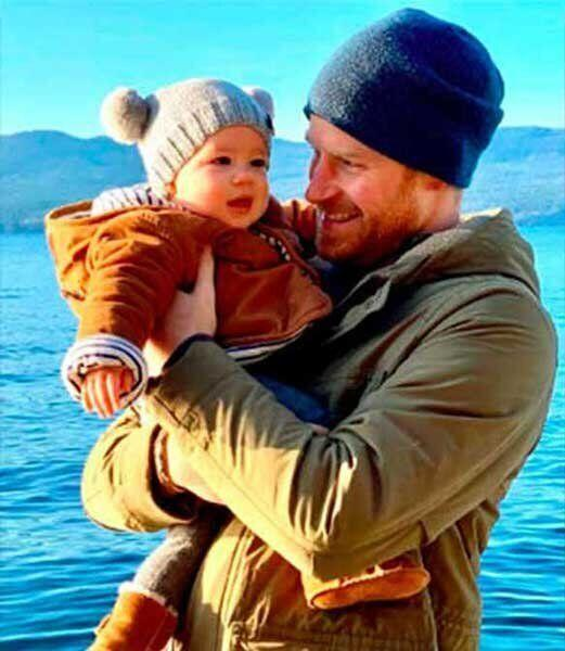 "Welcome to Canada, Archie! The Duke and Duchess of Sussex brought their eight-month-old son to B.C. with them for their Christmas holiday, and the cutie is currently living with his mum on Vancouver Island. According to proud dad, Harry, <a href=""https://www.huffingtonpost.ca/entry/prince-harry-skiing-photos_ca_5e25d327c5b674e44b9c02ff?gop"" target=""_blank"" rel=""noopener noreferrer"">Arch experienced his first snowfall</a> in the Great White North."