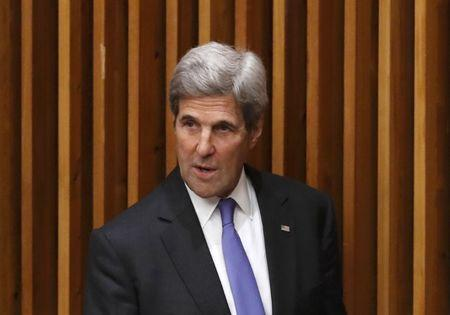 U.S. Secretary of State John Kerry departs after speaking at a high-level meeting on addressing large movements of refugees and migrants at the United Nations General Assembly in Manhattan, New York, U.S., September 19, 2016. REUTERS/Lucas Jackson