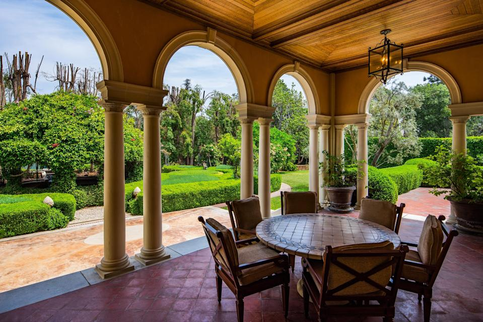 Sit outside and gossip — or plot. (Photo: Berkshire Hathaway HomeServices California Properties)