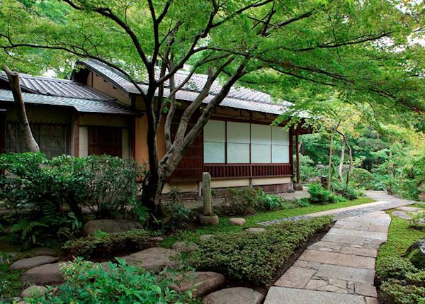 """""""Kounin-tei buji-an,"""" One of the tea rooms in the garden. Which is a traditional tea room in Japan built at the end of the Meiji period."""