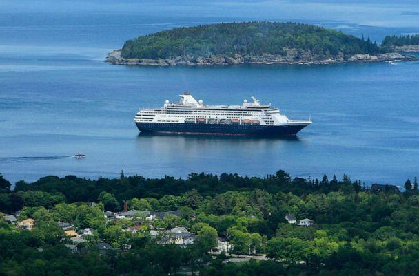 PHOTO: In this file photo taken on June 4, 2010, the Maasdam cruise ship sits at anchor in Frenchman Bay off the coast of Bar Harbor, Maine, U.S. (Robert F. Bukaty/AP)