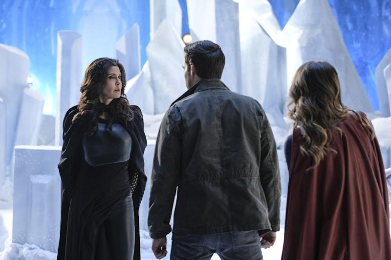 'Supergirl': Kara faces new threats as Lynda Carter returns
