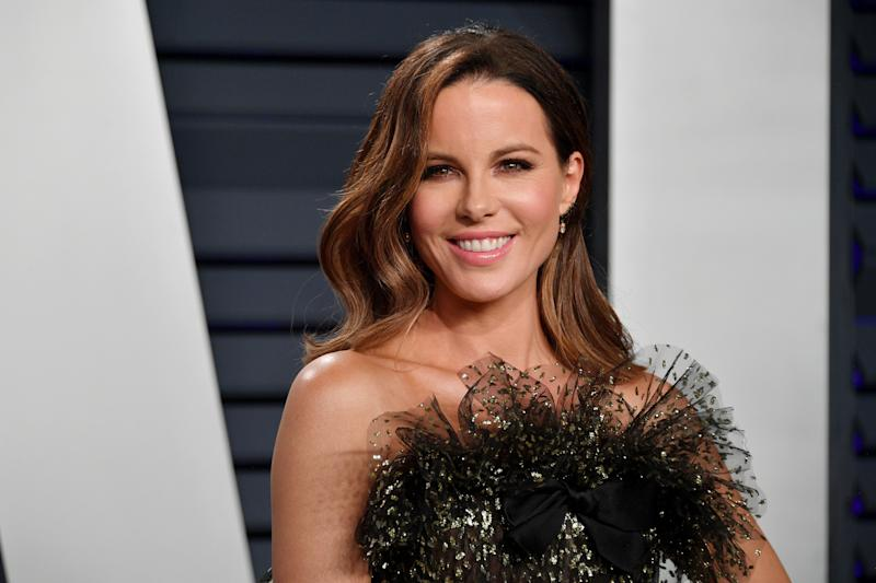 Kate Beckinsale poses on the red carpet