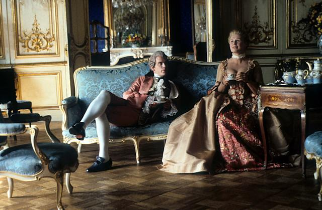 John Malkovich and Glenn Close having tea together in a scene from the film 'Dangerous Liaisons', 1988. (Photo by Metro-Goldwyn-Mayer/Getty Images)