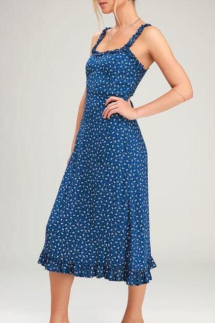 """<p><strong>Do wear: Flowy midi dress</strong></p> <p>How many times are you willing to risk taking a tumble as you climb the stadium steps? Besides being way too hot for September in the South, a maxi dress poses too many problems when you're going from tailgate to stadium, and back again. </p> <p>Keep a little extra length, while feeling overall breezier and safer to traverse in a midi dress. And in our humble opinion, the just-below-knee length is about as flattering as it gets.</p> <p><strong>BUY IT: Smocked Midi Dress; $59; <a href=""""https://shareasale.com/r.cfm?b=54838&u=1772040&m=9953&urllink=https%3A//www.lulus.com/products/day-in-the-sun-blue-print-smocked-midi-dress/782262.html&afftrack=SL%252CRX_1906_GamedayOutfit_MidiDress%252Ckyarborough1271%252C%252CIMA%252C615065%252C201907%252CI"""" target=""""_blank"""">lulus.com</a><br /> BUY IT: Print Ruffled Midi Dress; $179; <a href=""""https://shareasale.com/r.cfm?b=54838&u=1772040&m=9953&urllink=https%3A//www.lulus.com/products/noemie-navy-blue-floral-print-ruffled-midi-dress/731832.html%3FVSSugg%3DTrue%26%253Brrec%3Dtrue%26%253Brrec%3Dtrue&afftrack=SL%252CRX_1906_GamedayOutfit_MidiDress%252Ckyarborough1271%252C%252CIMA%252C615065%252C201907%252CI"""" target=""""_blank"""">lulus.com</a></strong></p>"""