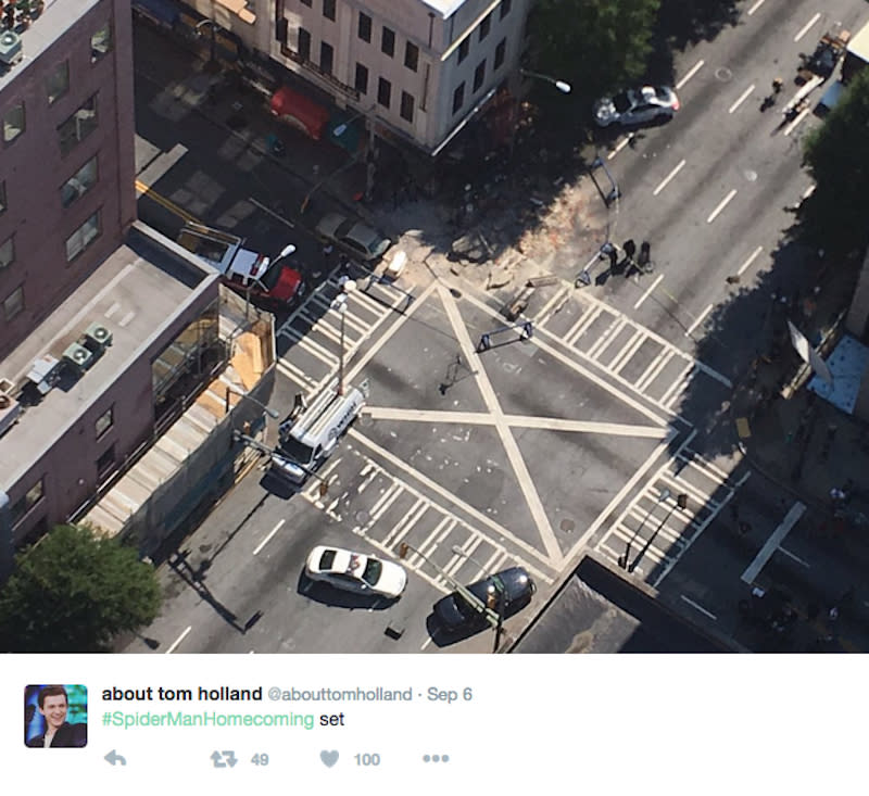 """<p>The fan Twitter @abouttomholland got this shot from the Atlanta set of a giant depression in what presumably will be a New York street.<i> (Photo: <a href=""""https://twitter.com/abouttomholland/status/773212522417680386"""" rel=""""nofollow noopener"""" target=""""_blank"""" data-ylk=""""slk:@abouttomholland/Twitter"""" class=""""link rapid-noclick-resp"""">@abouttomholland/Twitter</a>)<br></i></p>"""