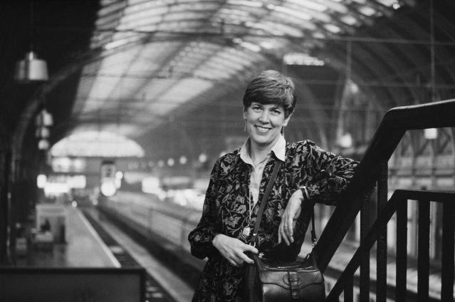 British-South African restaurateur, chef television presenter, author and businesswoman Prue Leith at Paddington rail station, London, UK, 2nd November 1983. (Photo by Howes/Daily Express/Hulton Archive/Getty Images)