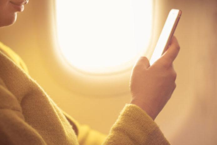 Forget Safety, This Is the Money-Saving Reason You Should Fly With Your Phone in Airplane Mode