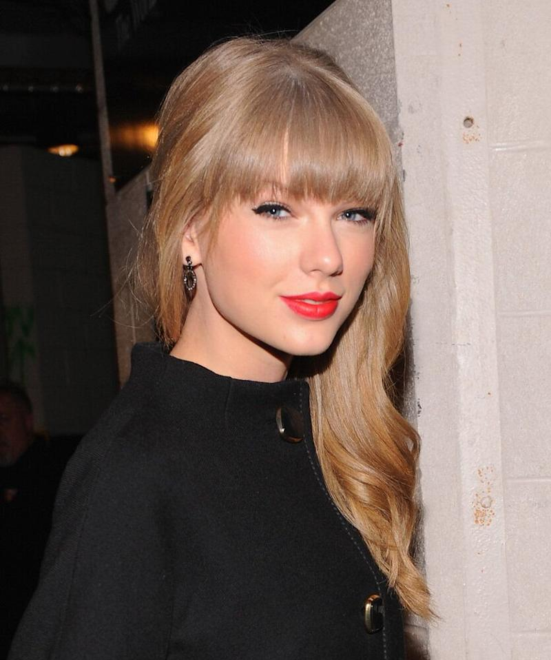 """Taylor's group of friends says a lot about how awesome she is: The singer likes to hang out with some of our favorite celebs, from Selena Gomez to Ed Sheeran to Emma Stone. Just last week, Swift <a href=""""http://perezhilton.com/2012-12-07-taylor-swift-introduces-harry-styles-one-direction-to-bff-emma-stone-after-heavy-pda-session#.UMkHBXPjlWY"""">introduced</a> new love interest Harry Styles to Stone at a mutual friends' birthday party in NYC!"""