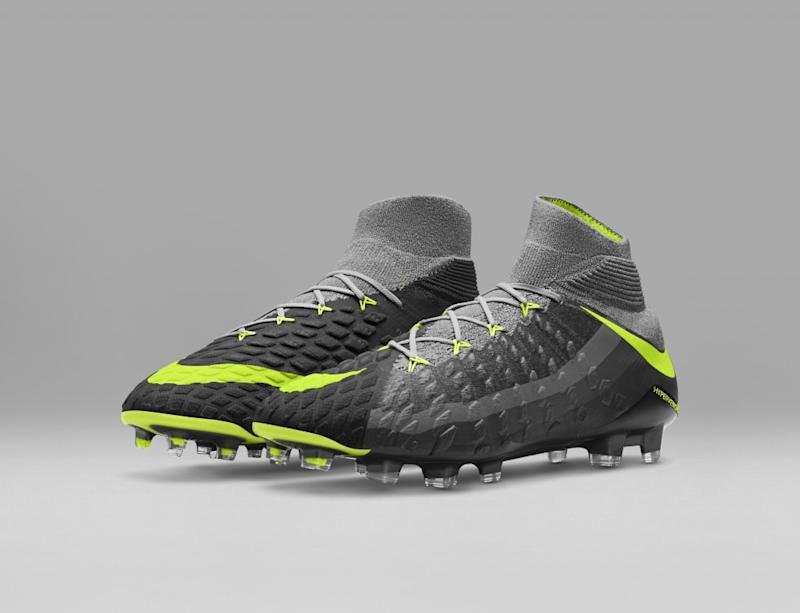 SP17_GFB_Revolution_Pack_882008-070_NIKE_HYPERVENOM_PHANTOM_3_DF_FG_5_8_original(1)