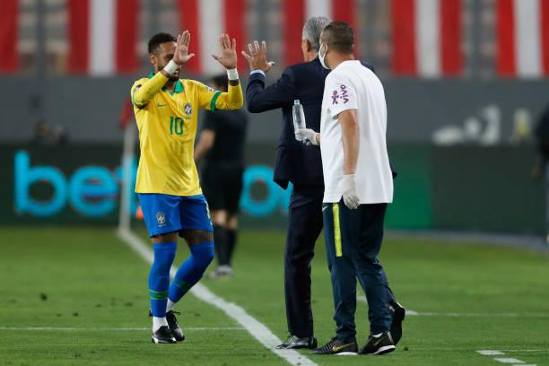 Neymar e Tite - FOTO: Paolo Aguilar-Pool/Getty Images