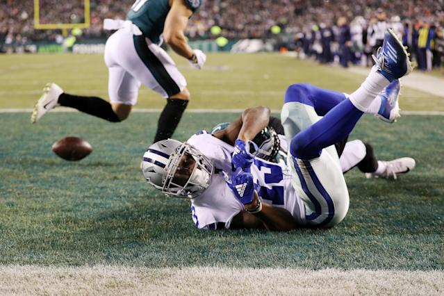 The Cowboys hopes of a comeback ended when Michael Gallup is unable to haul in a fourth-down pass from Dak Prescott. (Patrick Smith/Getty Images)