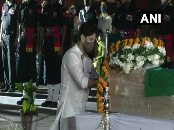 Chirag Paswan - son of Union Minister and Lok Janshakti Party (LJP) leader and other members of the family paid tribute to the late leader here at the Patna Airport.