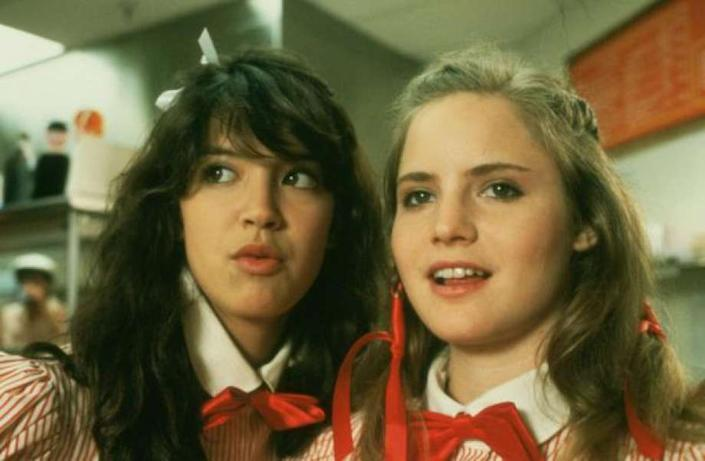 Phoebe Cates and Jennifer Jason Leigh in Fast Times At Ridgemont High (Credit: Universal)
