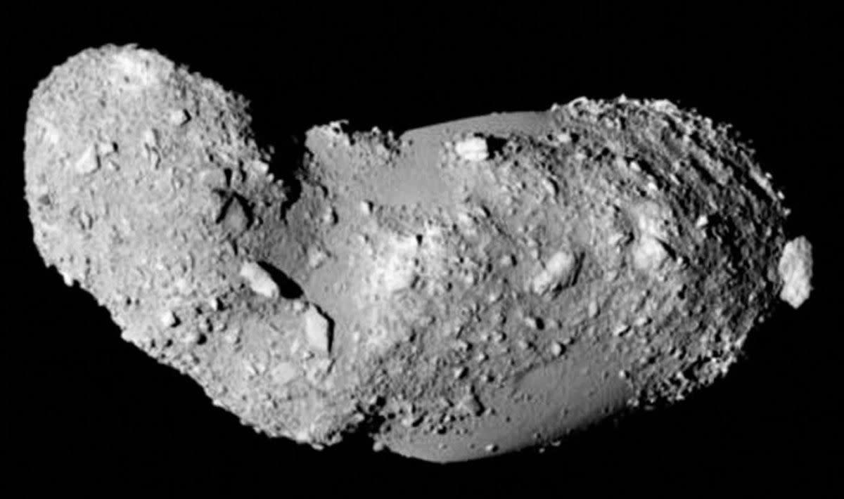A third image of asteroid Itokawa photographed by Japans Hayabusa spacecraft in 2005.