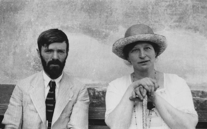 DH Lawrence and Frieda Lawrence in Chapala, Mexico, 1923 - Abacus Media