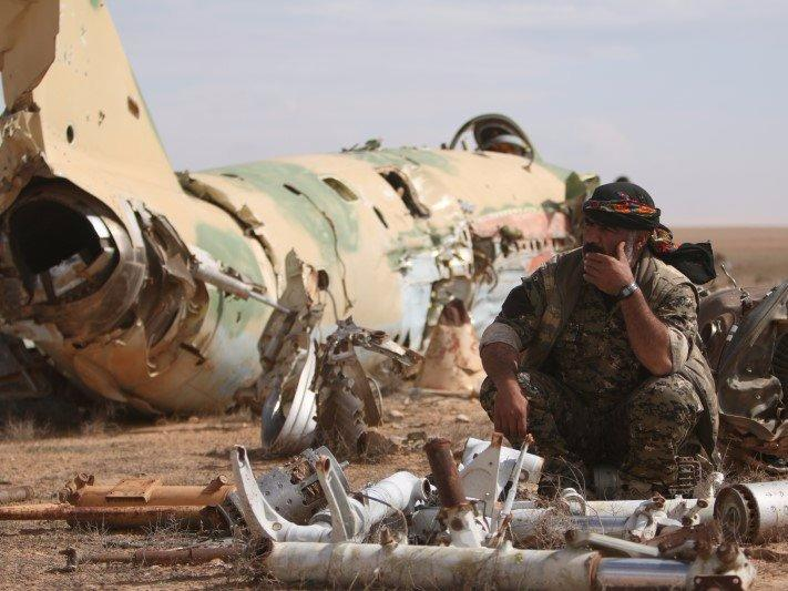 Syria troops position themselves at heart of war on IS