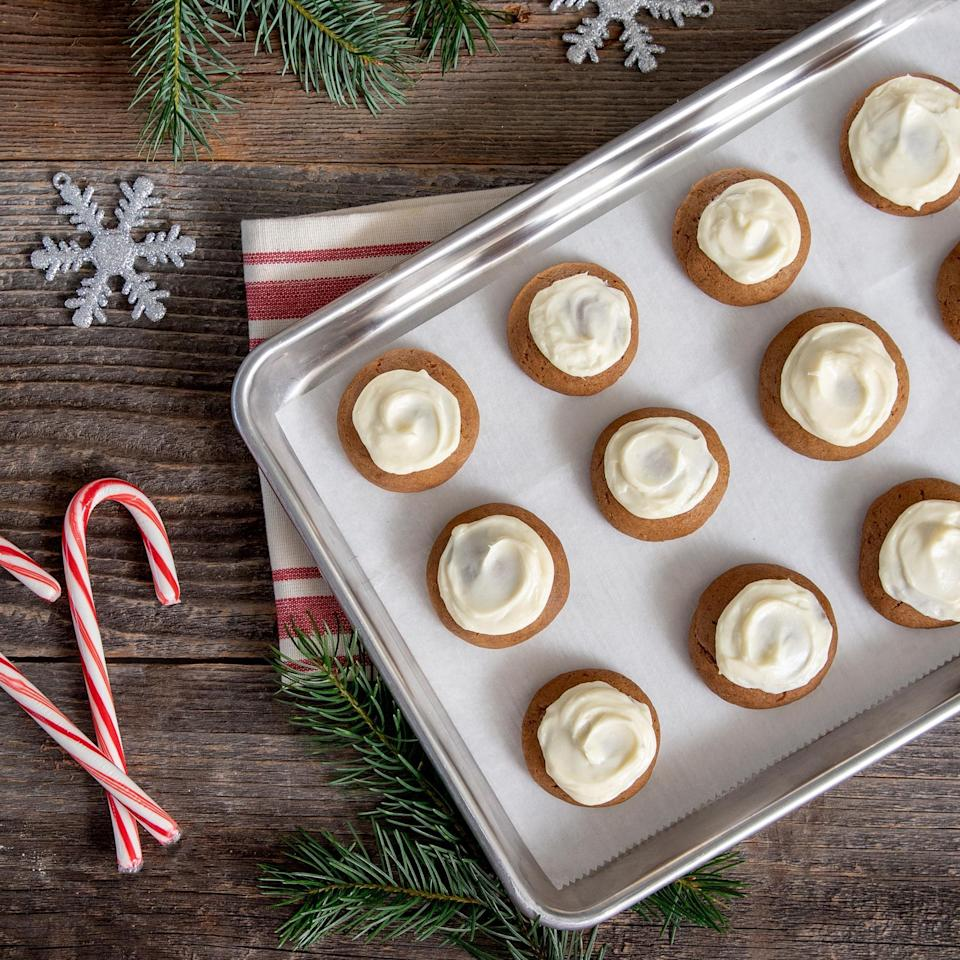 "<p>There are <a href=""https://www.thedailymeal.com/holidays/midwestern-christmas-recipes-gallery?referrer=yahoo&category=beauty_food&include_utm=1&utm_medium=referral&utm_source=yahoo&utm_campaign=feed"" rel=""nofollow noopener"" target=""_blank"" data-ylk=""slk:some things that only Midwesterners eat on Christmas"" class=""link rapid-noclick-resp"">some things that only Midwesterners eat on Christmas</a>, but gingerbread is not subject to territorial boundaries. No matter which corner of the U.S. you're from, these gingerbread cookies with cream cheese frosting will put you in the holiday spirit.</p> <p><a href=""https://www.thedailymeal.com/recipe/gingerbread-cookies-with-cream-cheese-frosting?referrer=yahoo&category=beauty_food&include_utm=1&utm_medium=referral&utm_source=yahoo&utm_campaign=feed"" rel=""nofollow noopener"" target=""_blank"" data-ylk=""slk:For the Gingerbread Cookies With Cream Cheese Frosting recipe, click here."" class=""link rapid-noclick-resp"">For the Gingerbread Cookies With Cream Cheese Frosting recipe, click here.</a></p>"