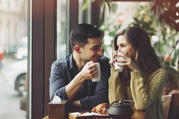 A new study by Harvard University has linked attractiveness with relationships. Photo: Getty