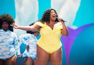<p>Performing at the 2019 MTV Video Music Awards in a bright yellow bodysuit and matching eyeshadow. <br></p>