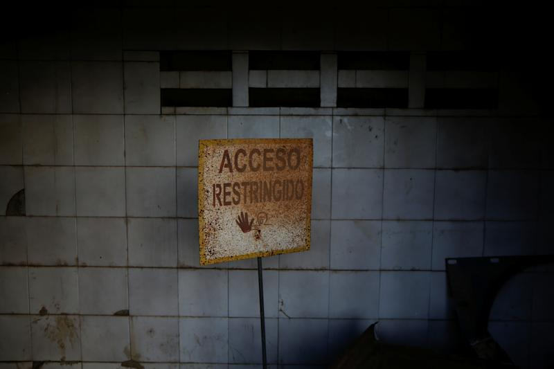 "A sign reading ""Restricted Access"" at the house of Maroly Bastardo, in El Tigre, Venezuela, on June 3. (Photo: Ivan Alvarado/Reuters)"