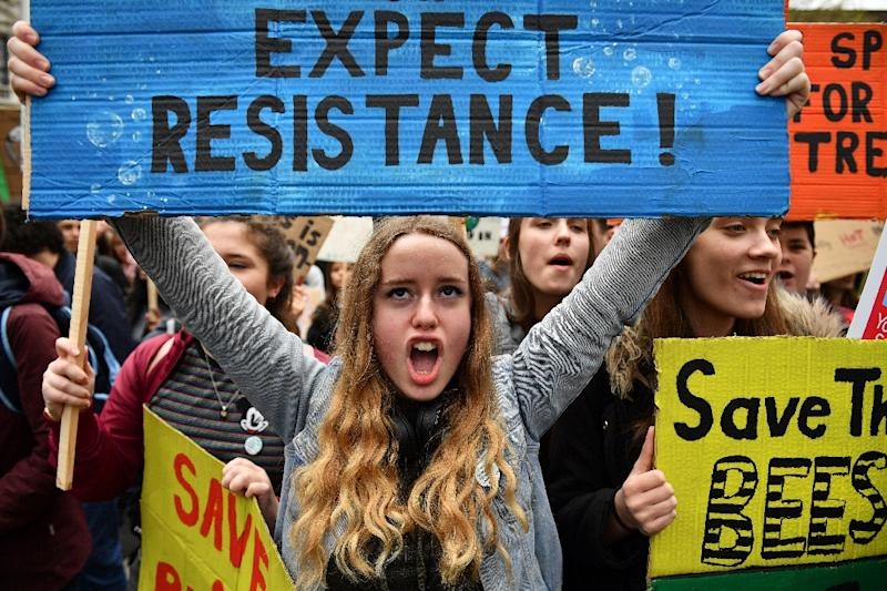 Students attend the YouthStrike4Climate demonstration against climate change in Parliament Square, central London on April 12, 2019 (AFP Photo/Daniel LEAL-OLIVAS)