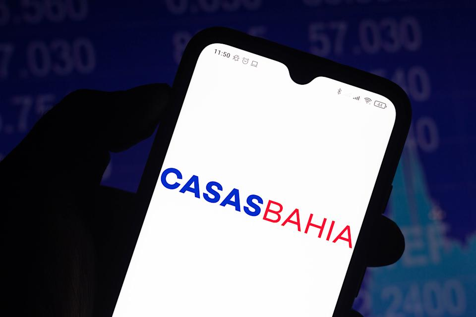 BRAZIL - 2021/04/15: In this photo illustration, the Casas Bahia logo seen displayed on a smartphone screen. (Photo Illustration by Rafael Henrique/SOPA Images/LightRocket via Getty Images)