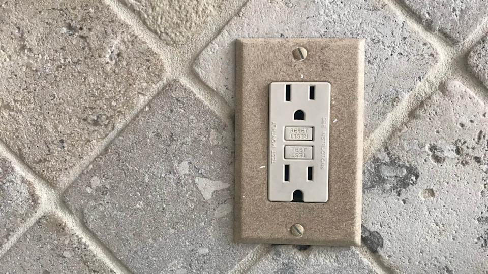 wall outlet cover