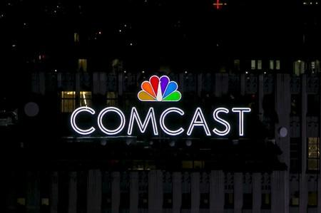 Comcast tries to bolster streaming gadget by dropping fee