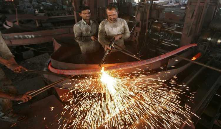 India's GDP Growth Seen At Over 5-Year Low In June Quarter: Poll