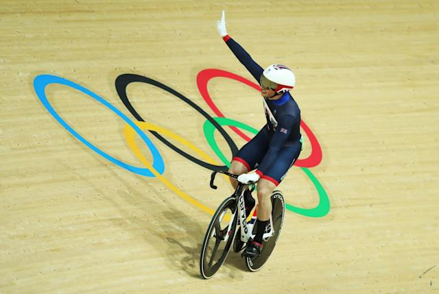 <p>Jason Kenny of Great Britain celebrates Gold in the final of the Men's Sprint at Rio Olympic Velodrome on August 14, 2016 in Rio de Janeiro, Brazil. (Photo by Ian MacNicol/Getty Images) </p>