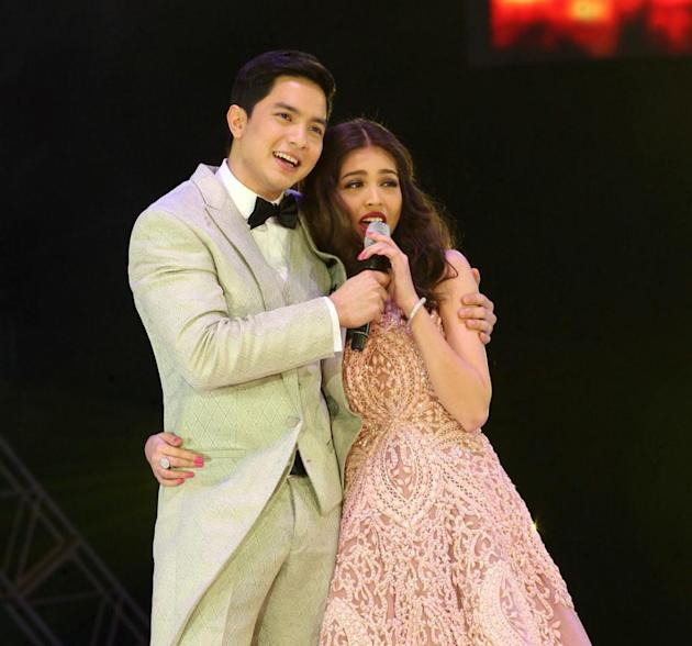 The AlDub pairing finally meets (Philippine Star)