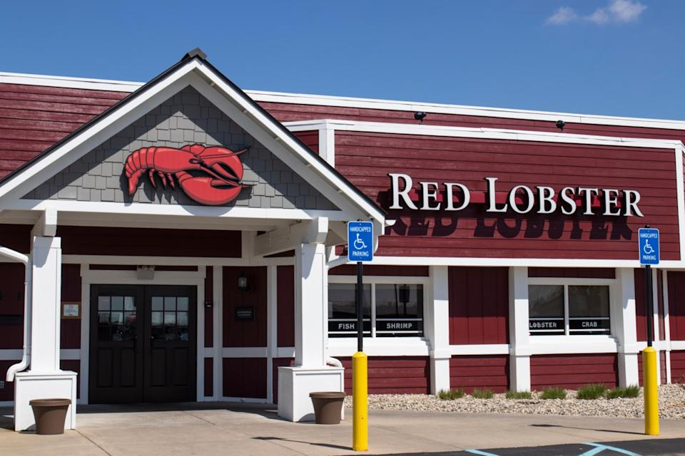 the exterior of a Red Lobster restaurant in Indianapolis, Indiana