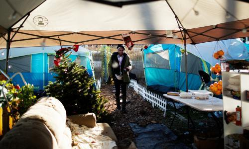 The Oakland women who took over a vacant lot to house the homeless