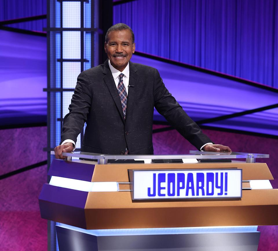 """Bill Whitaker, a correspondent from CBS's """"60 Minutes,"""" took a turn as """"Jeopardy!"""" guest host starting May 3."""