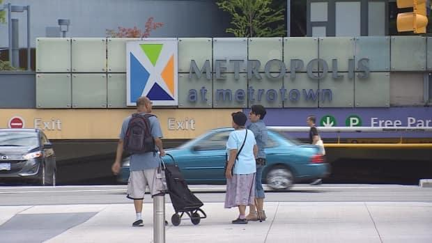 Metrotown mall in Burnaby where police arrested a suspected gang member Tuesday. (CBC - image credit)