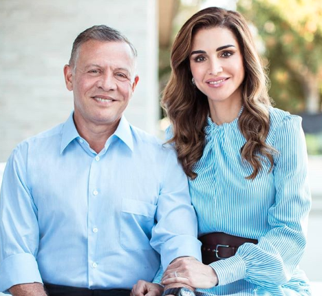 Queen Rania and King Abdullah II have shared their family card for the new year. photo: Instagram/ queenrania