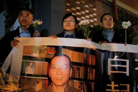 Jailed Nobel victor, dissident dies in China