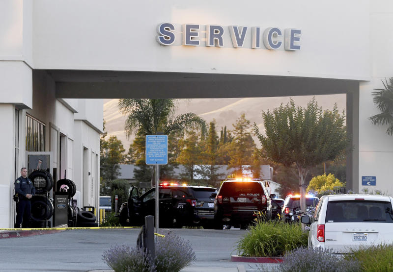 Two workers, gunman dead at California Ford dealership